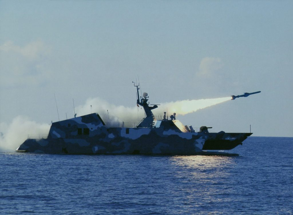 china fast attack ship launch a anti ship cruise missile
